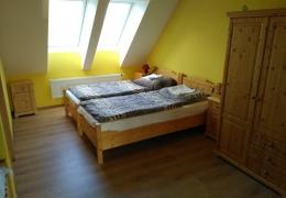 Pokoj_2_postele_manzelske