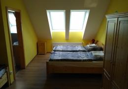 Pokoj_2_postele_manzelske_2